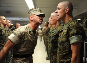 800px-Drill_instructor_at_the_Officer_Candidate_School